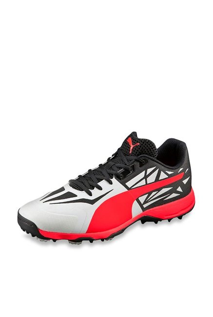 ac7f5507c39e94 Buy Puma evoSPEED 1.5 Spike White   Black Cricket Shoes for Men at Best  Price   Tata CLiQ