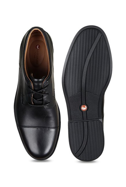 anillo asesino temor  Clarks Un Aldric Cap Black Derby Shoes from Clarks at best prices on Tata  CLiQ
