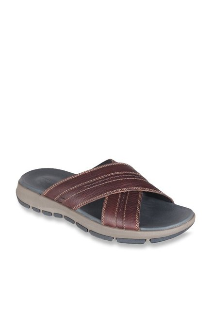 30fcc6c471bd Buy Clarks Brixby Cross Brown Cross Strap Sandals for Men at Best Price    Tata CLiQ