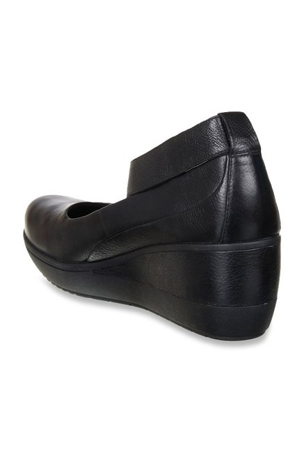 62617993d49d Buy Clarks Wynnmere Fox Black Ankle Strap Wedges for Women at Best ...
