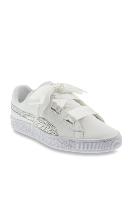 subtítulo Eliminar Lavar ventanas  Puma Kids Basket Heart Bling Jr White & Silver Sneakers from Puma at best  prices on Tata CLiQ
