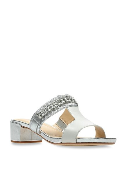 4d8683458bf Buy Clarks Orabella White   Silver Casual Sandals for Women at Best Price    Tata CLiQ
