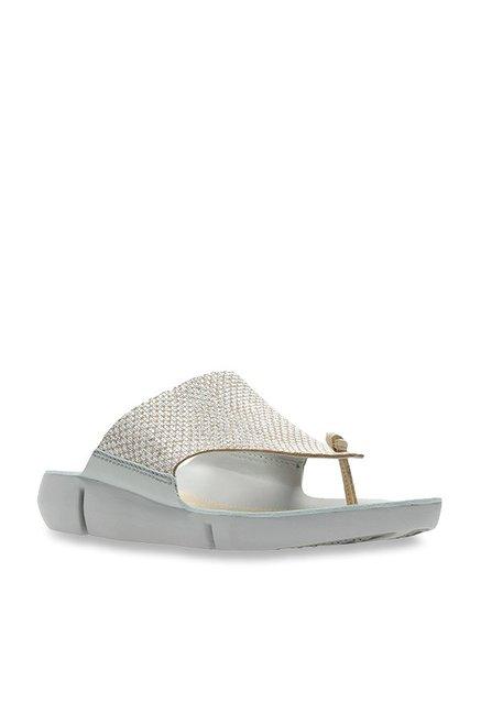 4605c3560 Buy Clarks Tri Carmen Silver Thong Sandals for Women at Best Price   Tata  CLiQ