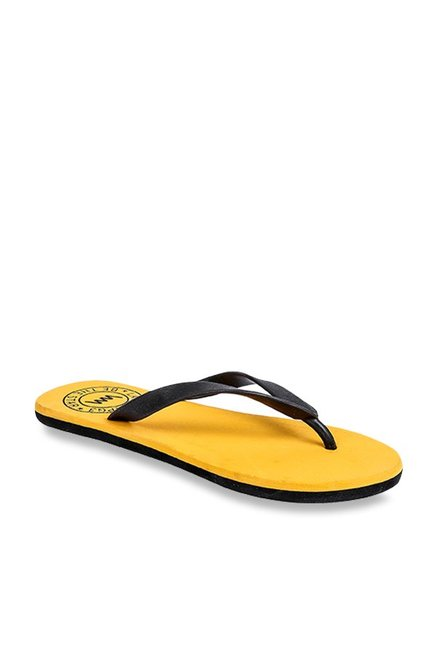 85618125cdd6 Buy Lawman Pg3 Black   Yellow Flip Flops for Men at Best Price ...