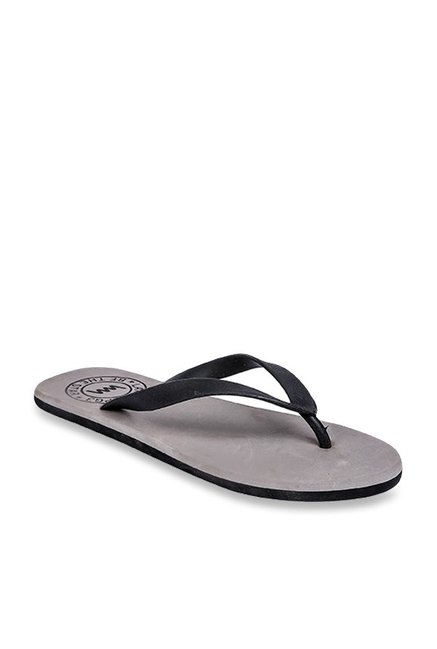 b6642e6f7807 Buy Lawman Pg3 Black   Grey Flip Flops for Men at Best Price   Tata CLiQ