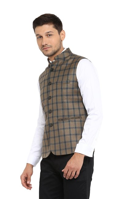 5fac85ec7f1f1 Buy Red Tape Khaki Sleeveless Nehru Jacket for Men Online   Tata CLiQ