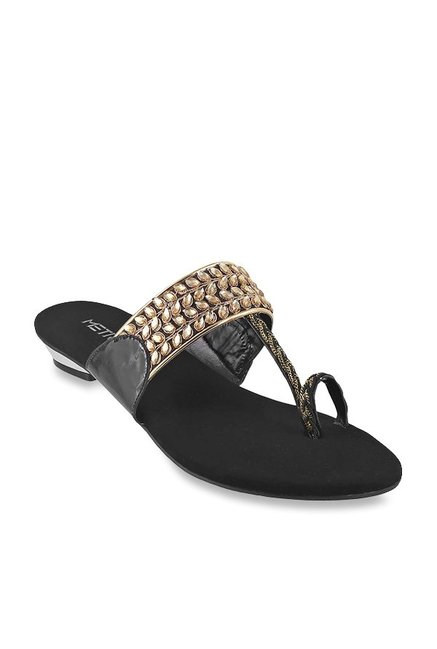ff9b416ff Buy Metro Black   Golden Toe Ring Sandals for Women at Best Price   Tata  CLiQ