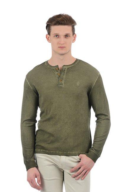 a5e074fc7c0 Buy Indian Terrain Green Regular Fit Henley T-Shirt for Men Online   Tata  CLiQ