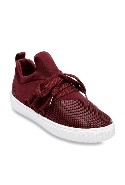 9b2bedb4c90 Buy Steve Madden Lancer Burgundy Sneakers for Women at Best Price   Tata  CLiQ