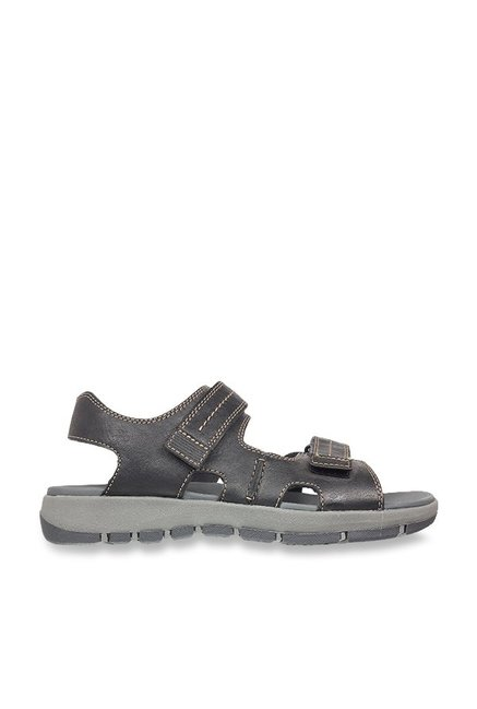 1eaddc5e969 Buy Clarks Brixby Shore Navy Floater Sandals for Men at Best Price   Tata  CLiQ