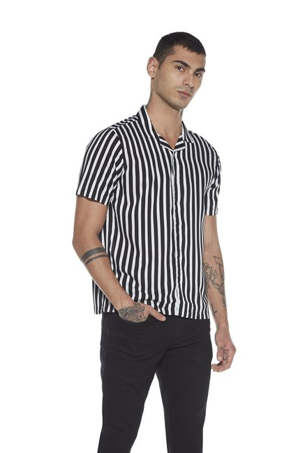 d539cf7d Buy Nuon by Westside Black Striped Shirt for Men Online @ Tata CLiQ