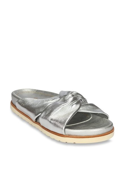 For Buy Cliq Women Silver At Best PriceTata Sandals Florsheim Casual WED9IY2eH