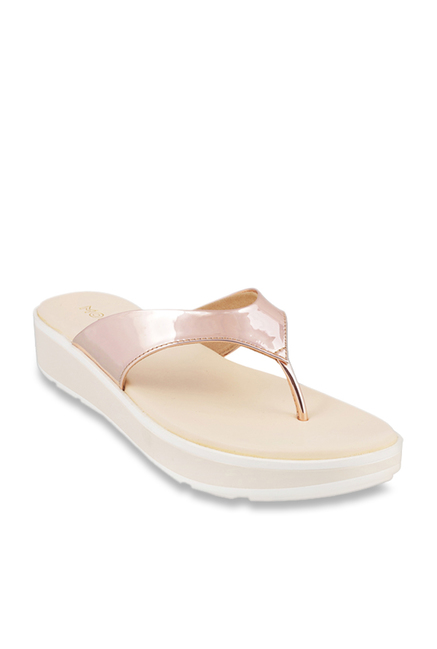e7b17709cb3d Buy Mochi Rose Gold Thong Sandals for Women at Best Price   Tata ...