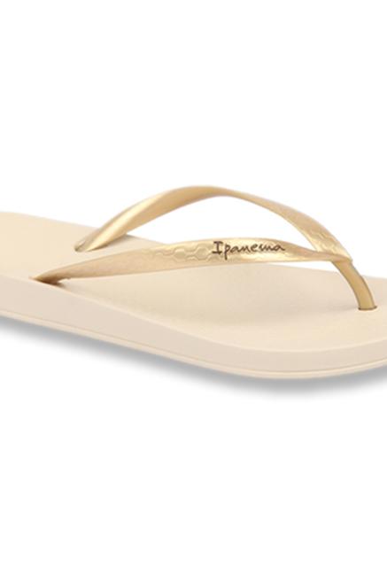 524e3439673d Buy Ipanema Anatomic Fem Golden   Beige Flip Flops for Women at Best ...