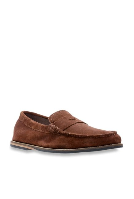 Lustre reemplazar Estimado  Clarks Whitley Free Brown Loafers from Clarks at best prices on Tata CLiQ