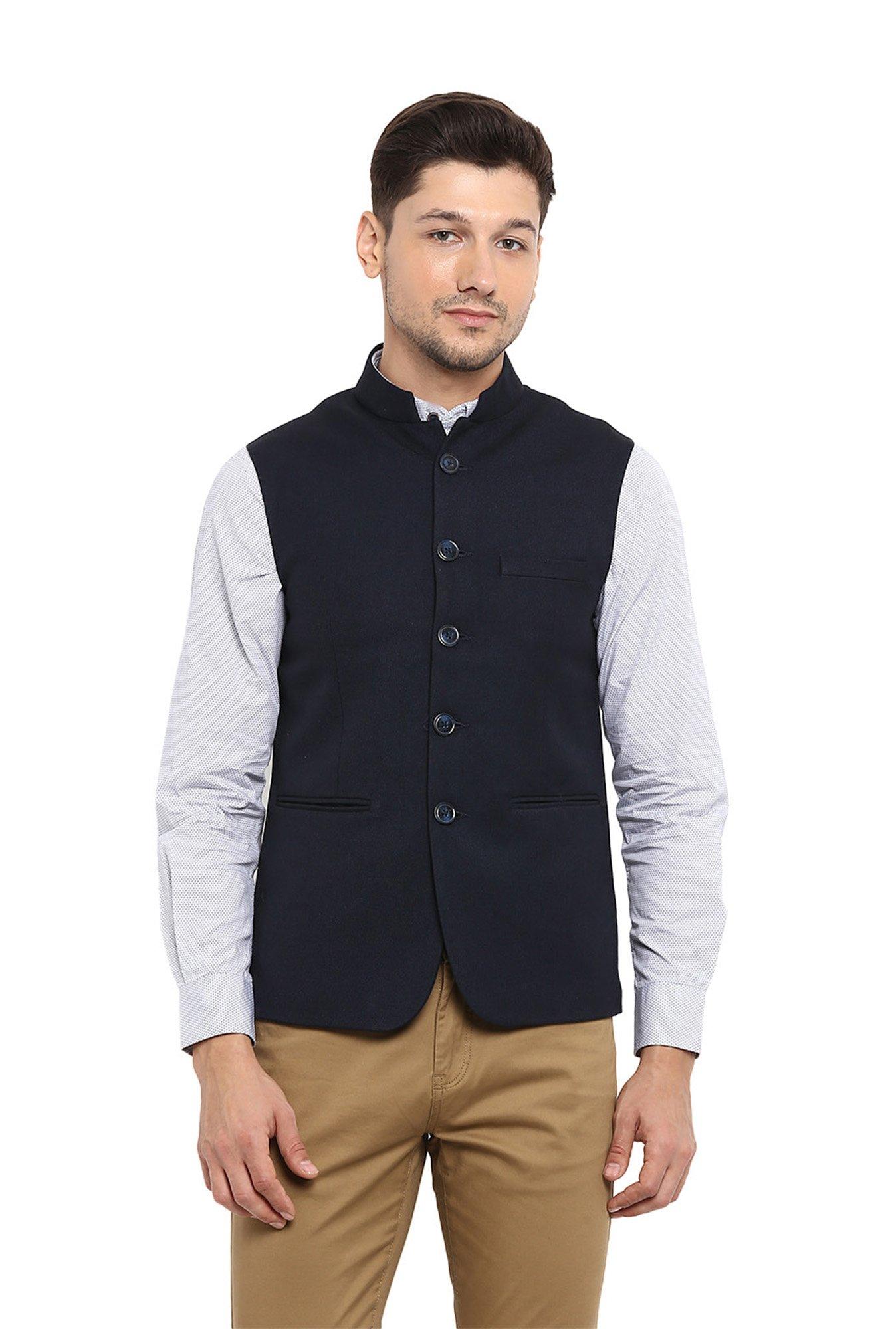b752fea5ec982 Buy Red Tape Navy Mandarin Collar Nehru Jacket for Men Online   Tata ...