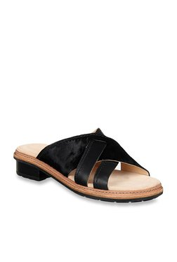 ba80a55311b Clarks Trace Craft Black Cross Strap Sandals