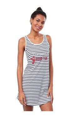 03ac4df8191 Buy ETAM Paris Sleepwear   Robes - Upto 70% Off Online - TATA CLiQ