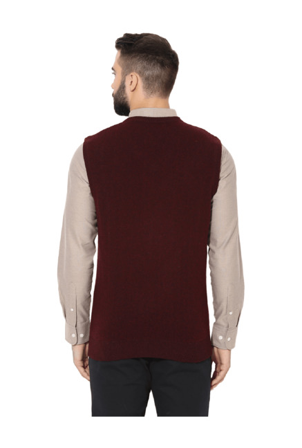 83d9720f6598c Buy Red Tape Maroon Sleeveless Sweater for Men Online   Tata CLiQ