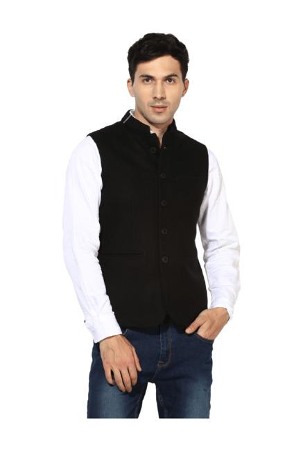 8ae66c67be480 Buy Red Tape Black Sleeveless Nehru Jacket for Men Online   Tata CLiQ