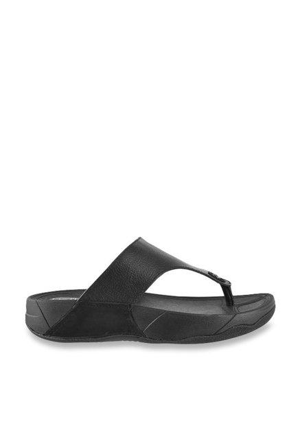 901a7e8fa4b7 Buy Metro Black Thong Sandals for Men at Best Price   Tata CLiQ