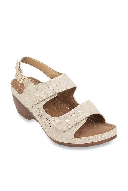 56ee967262e27d Buy Catwalk Golden Back Strap Wedges for Women at Best Price   Tata CLiQ