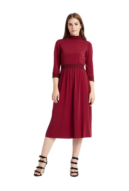 53267e853d80 Buy Cover Story Maroon Regular Fit Below Knee Dress for Women ...