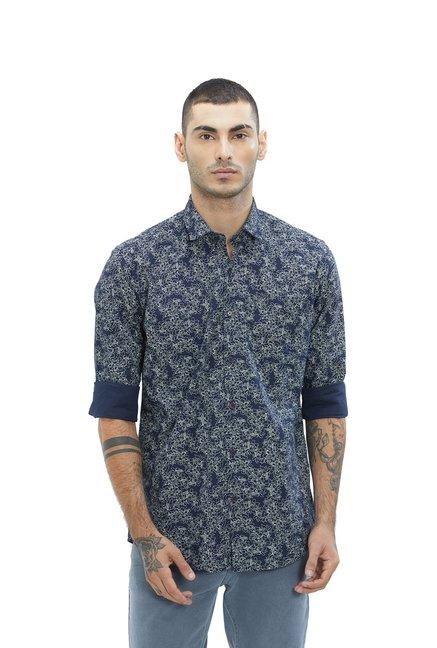 ffafc97d876 Buy Lawman Pg3 Blue Slim Fit Printed Shirt for Men s Online   Tata ...