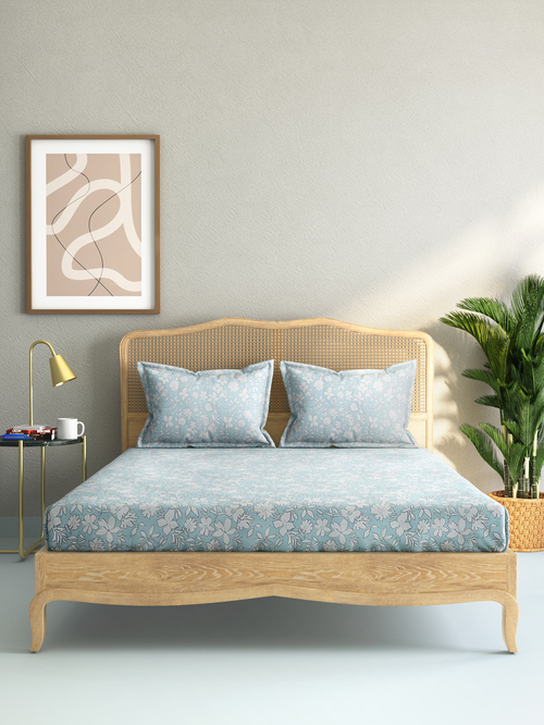 Westside Home Blue Floral King Bedsheet With Two Pillowcases Set