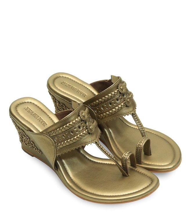 Aprajita Toor Dull Gold Hashi Toe Ring Wedges